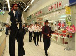 Alışveriş Merkezi Etkinlikleri Tahta Bacak Gösterisi Jonglör Temini İstanbul Organizasyon