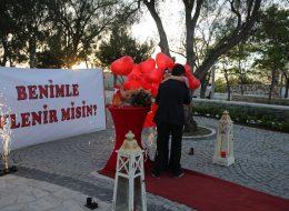 Evlilik Teklifinin Sarılarak Kutlandığı Anlar İstanbul Organizasyon