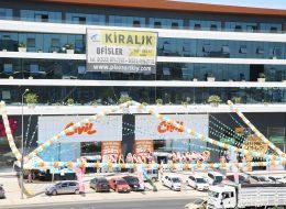 Açılış Organizasyonu Üçgen Bayrak Süsleme Hizmeti İstanbul Organizasyon
