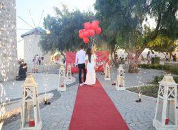 Alaçatı Yel Değirmenlerinde Sürpriz Evlilik Teklifi Organizasyonu İstanbul Organizasyon