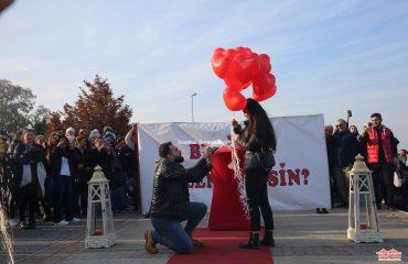 Dev Pankart ile Evlilik Teklifi Organizasyonu Paketi İstanbul Organizasyon