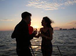 Körfez Turu ve Şampanya ile Evlilik Teklifi Organizasyonunun Kutlandığı Anlar