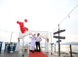 Evlenme Teklifi Organizasyonu ve Uçan Balonların Gökyüzüne Bırakıldığı An