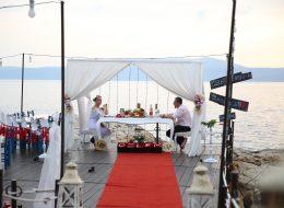 Sürpriz Evlilik Teklifi Organizasyonu İskele Süsleme ve Profesyonel Fotoğraf Çekimi İstanbul