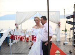Romantik Evlilik Teklifi Organizasyonunda Fotoğrafların İncelendiği Anlar