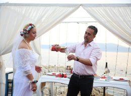 Şampanya Patlatarak Evlilik Teklifinin Kutlandığı Dakikalar