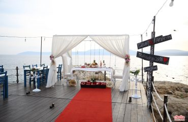 Seferihisar İskelede Romantik Evlilik Teklifi Organizasyonu İstanbul Organizasyon