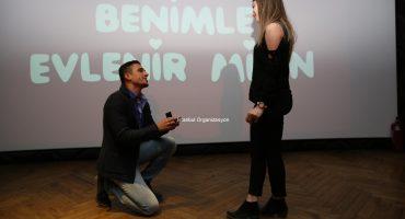 Sinemada Sürpriz Evlilik Teklifi Organizasyonu İstanbul Organizasyon