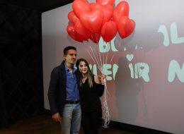 Uçan Balonlar Eşliğinde Sinemada Evlilik Teklifi Organizasyonu İstanbul