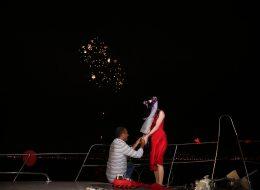 Havai Fişek Gösterisi Eşliğinde Teknede Evlilik Teklifi Organizasyonu İzmir
