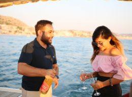 Benimle Evlenir Misin Sorusuna Verilen Evet Cevabını Şampanya Patlatarak Kutlama İstanbul